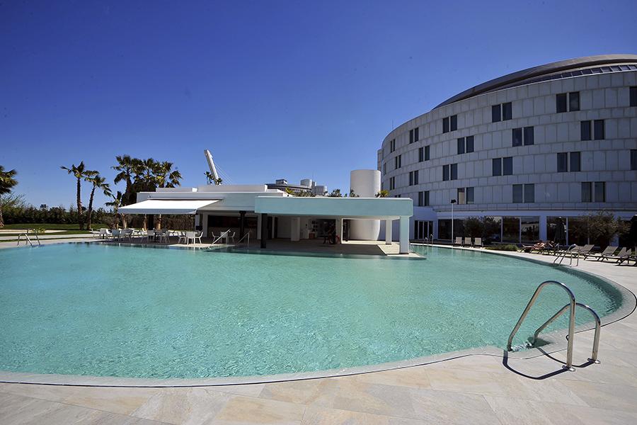 Hotel Sevilla Barcelo piscina